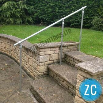 Handrail Z Concrete Compressed